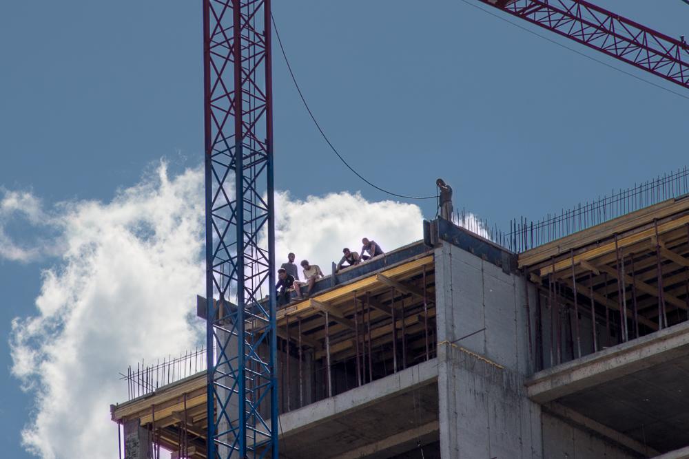 A construction site in Tbilisi. Photo:TamunaChkareuli/OCMedia.