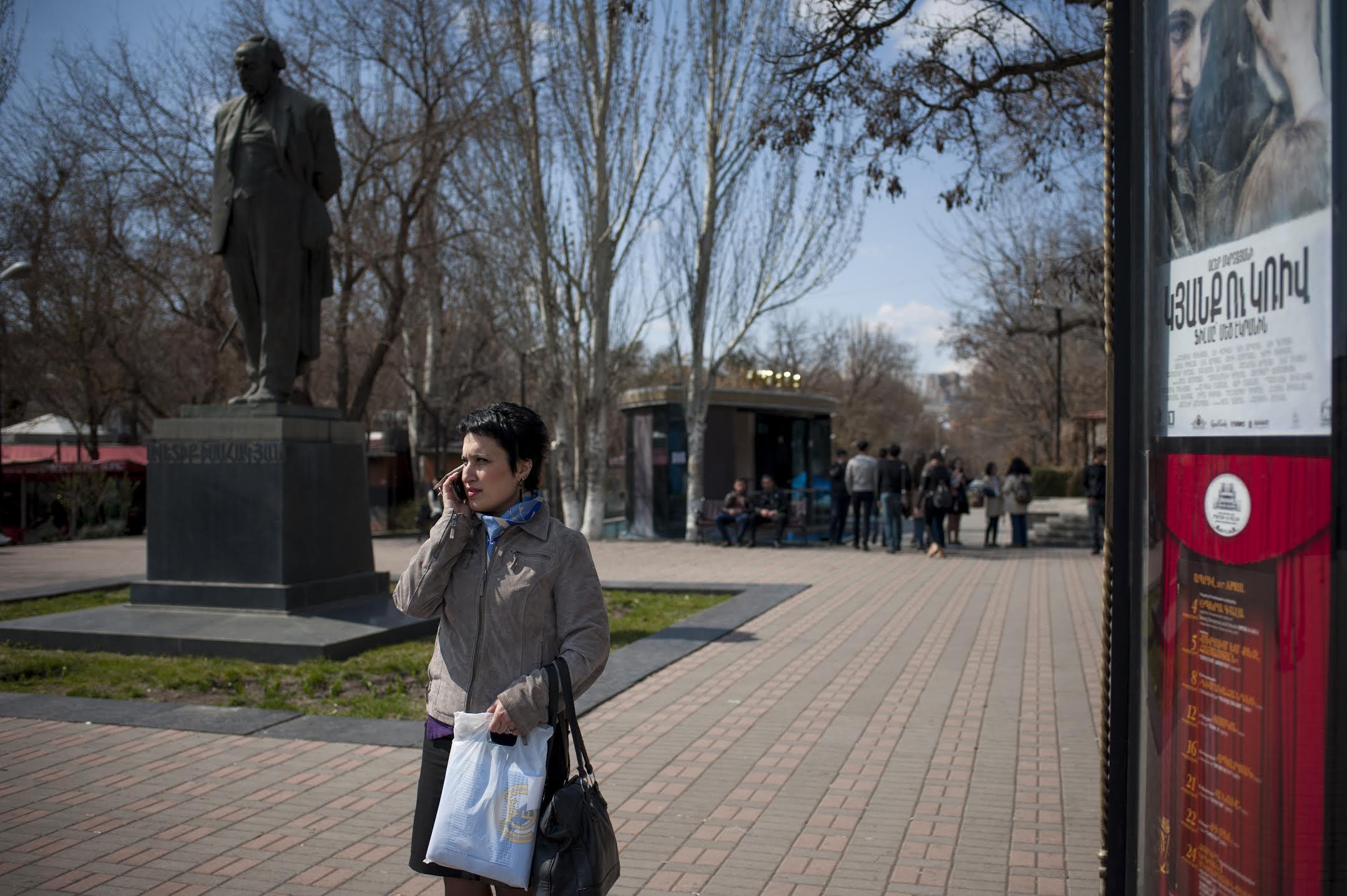 По понедельникам у 37-летний Тагуи Мансурян выходной, который она посвящает домашним заботам или юридическим вопросам.(Nazik Armenakyan)