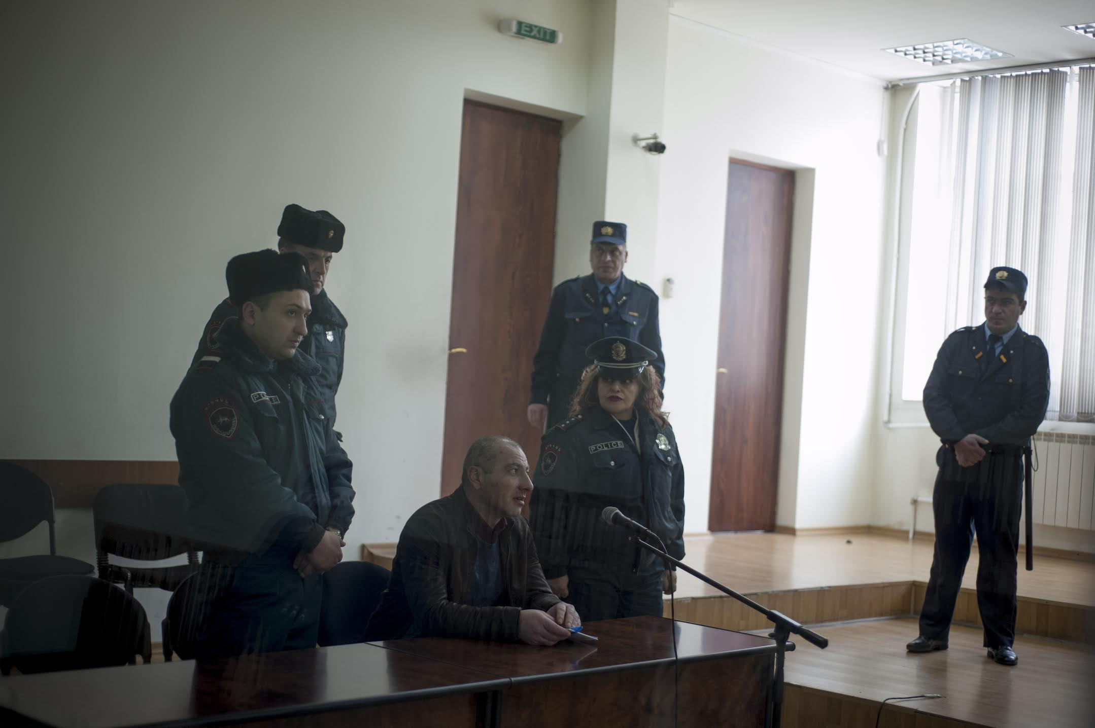 Первое слушание в суде над Владиком Мартиросяном. Дело было отложено после обращения к народному защитнику. (Nazik Armenakyan)