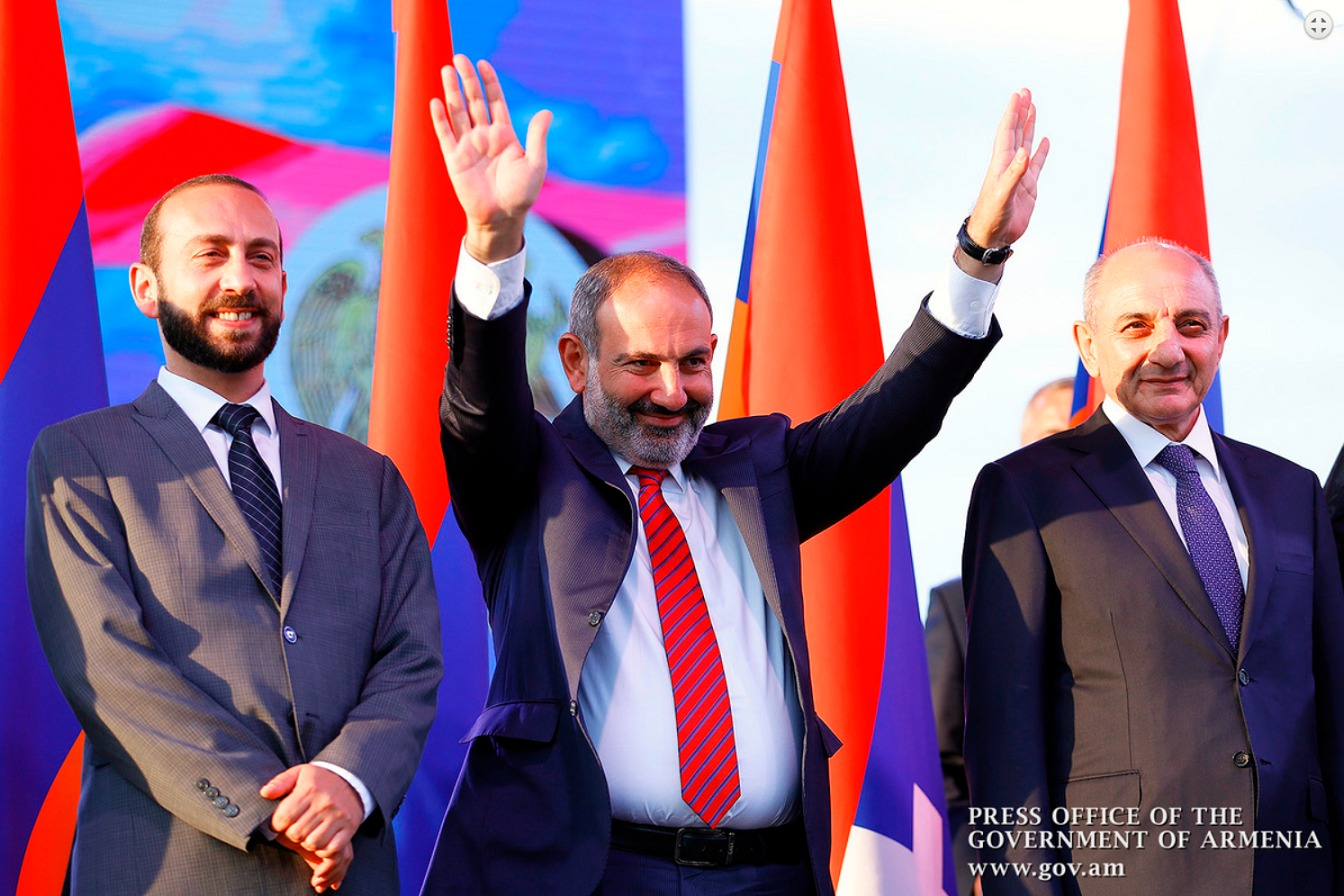 pashinyan-stepanakert.jpg