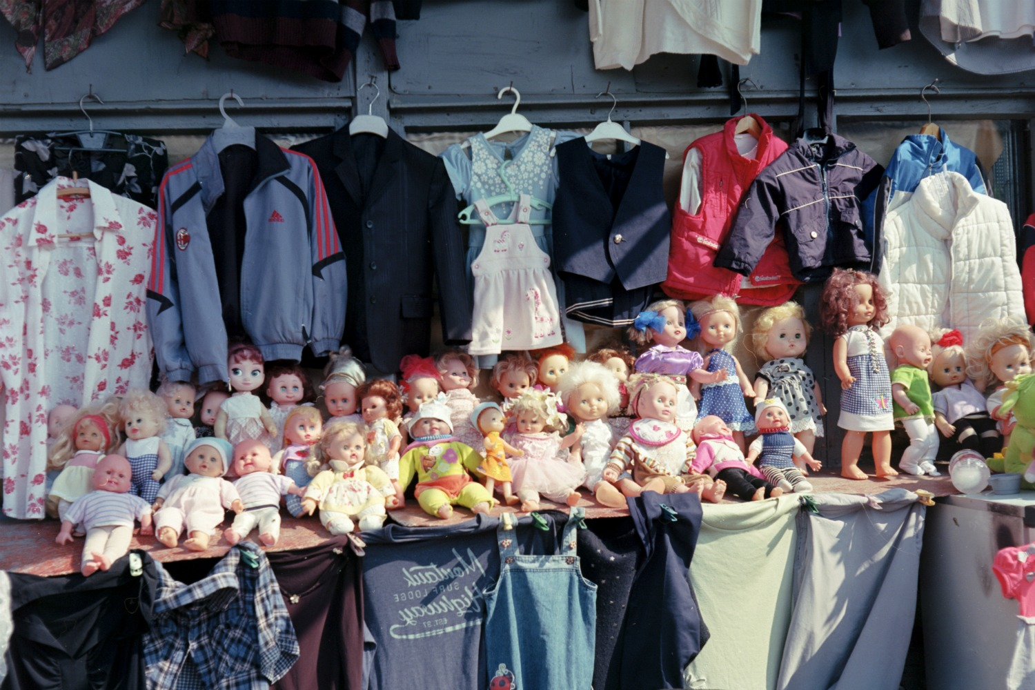 Dolls on the stall waiting for their new owners. Photo: Sofi Mdivnishvili/OC Media.