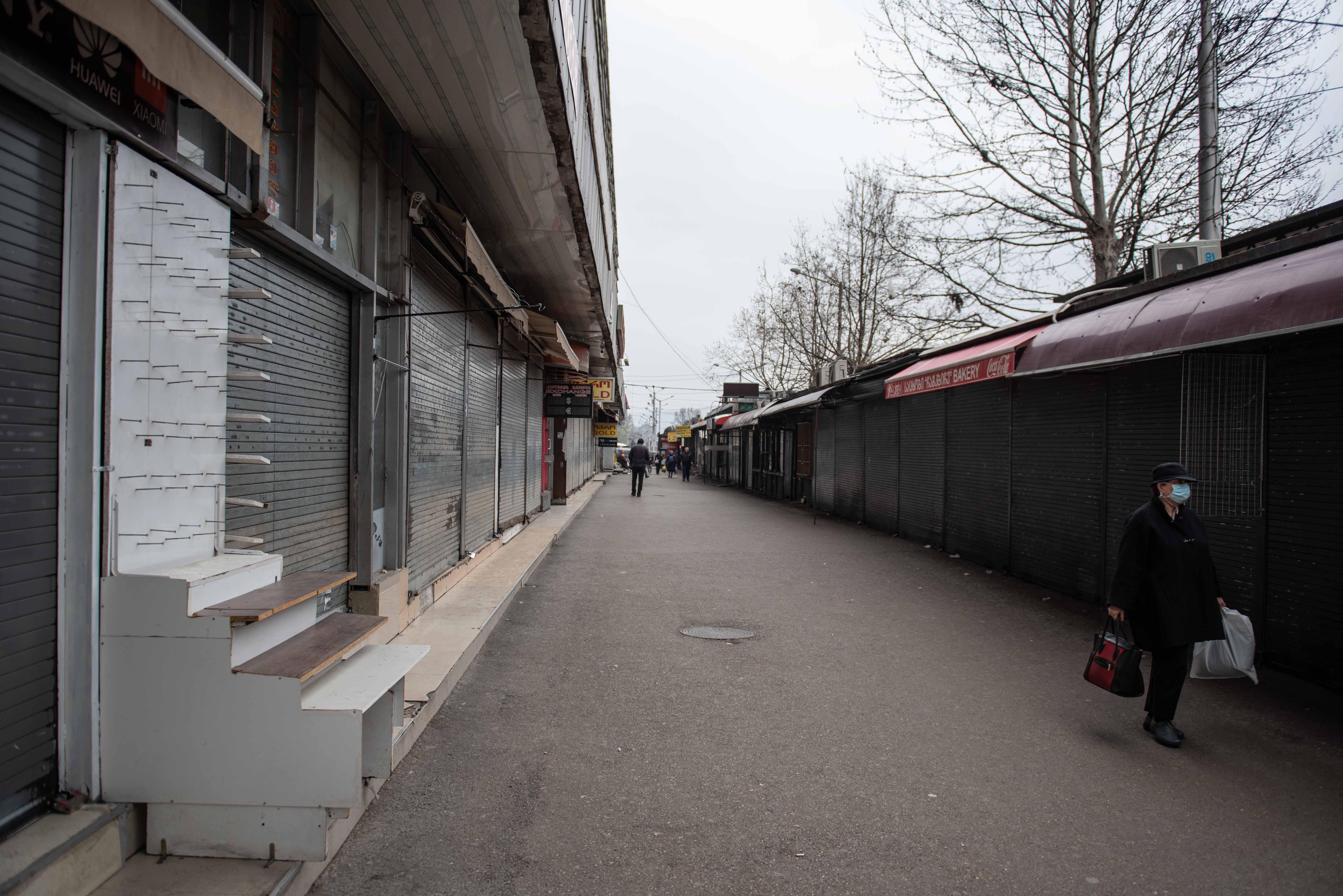 Большинство торговых точек закрылись 19 марта. Фото: Мариам Никурадзе/OC Media.