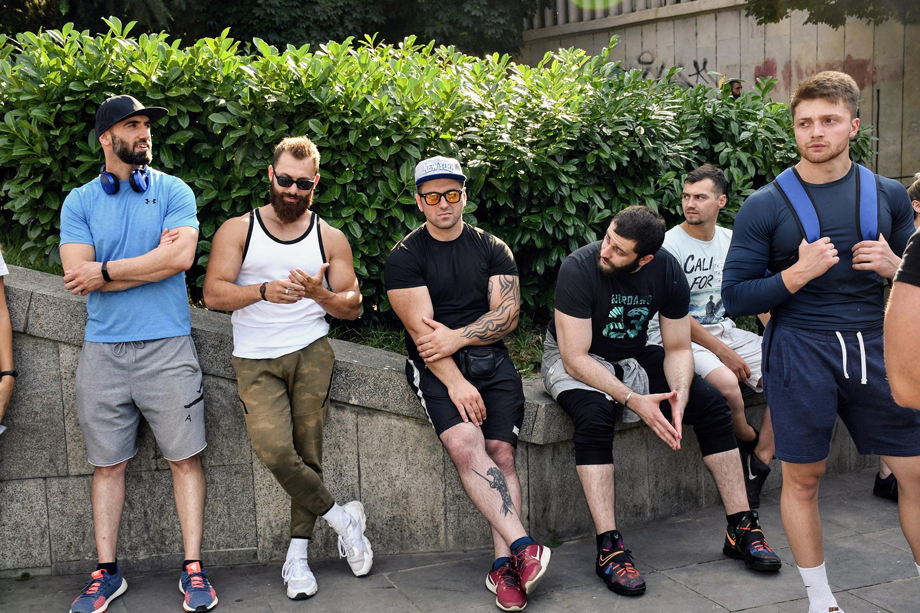 Протестующие у метро Руставели 2 июня. Фото: Шота Хинча / OC Media.