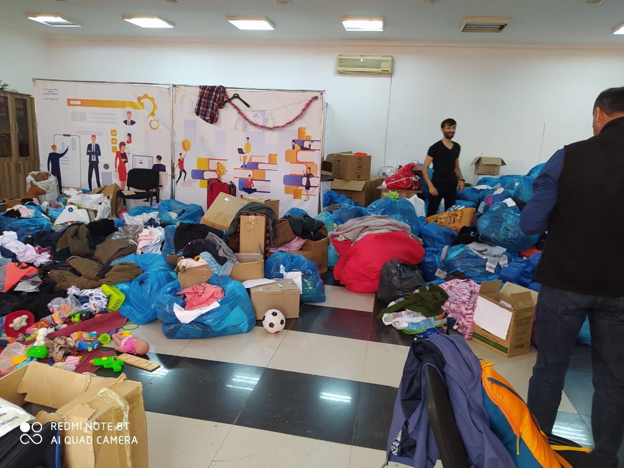 Пожертвования для перемещённых семей. Фото: Санубар Гейдарова.